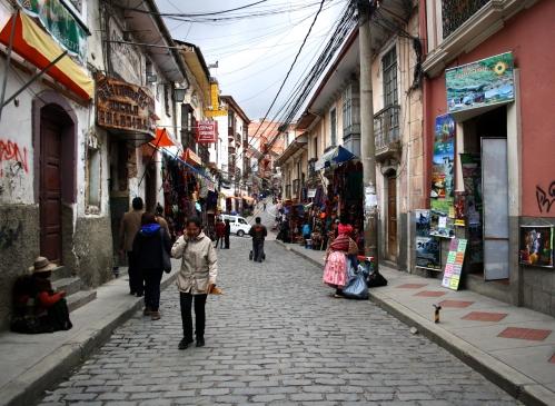 Una de las calles por las que se extiende el mercado de las brujas. Foto: Sara Gordón