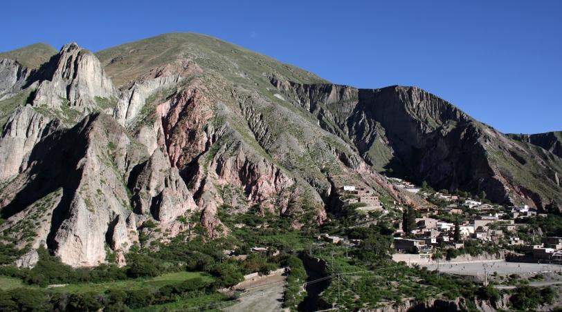 Una parte de Iruya, encerrada entre montañas. Foto: Sara Gordón