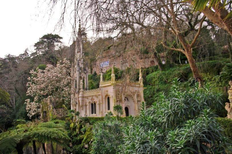 Perderse por los jardines es la mejor manera de conocer la Quinta. Foto: Sara Gordón