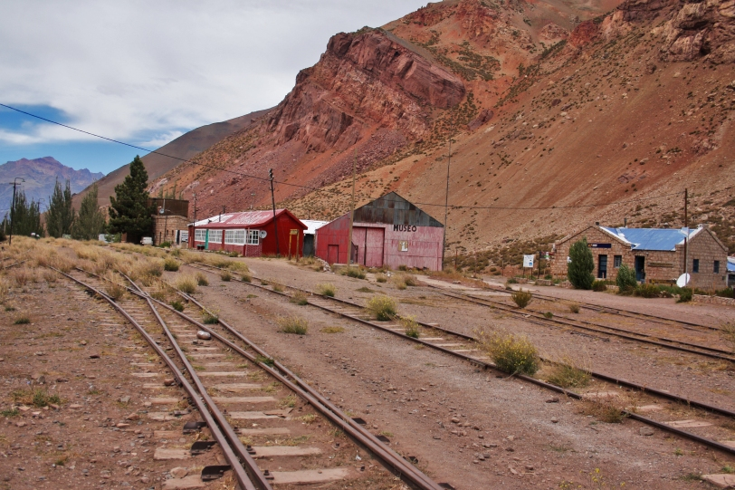 El trazado del tren Transandino que llega hasta el lugar. Foto: Sara Gordón