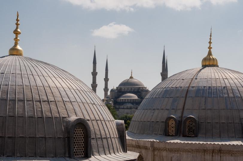 La mezquita azul entre cúpulas. Foto: Sara Gordón