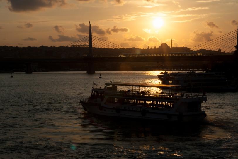 Un atardecer desde el puente de Gálata. Foto: Sara Gordón